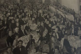 A photograph of a Jewish banquet in Iraq is displayed at Bene Naharayim.